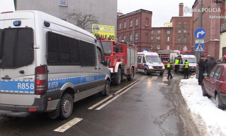 Policjanci zabezpieczali miejsce katastrofy